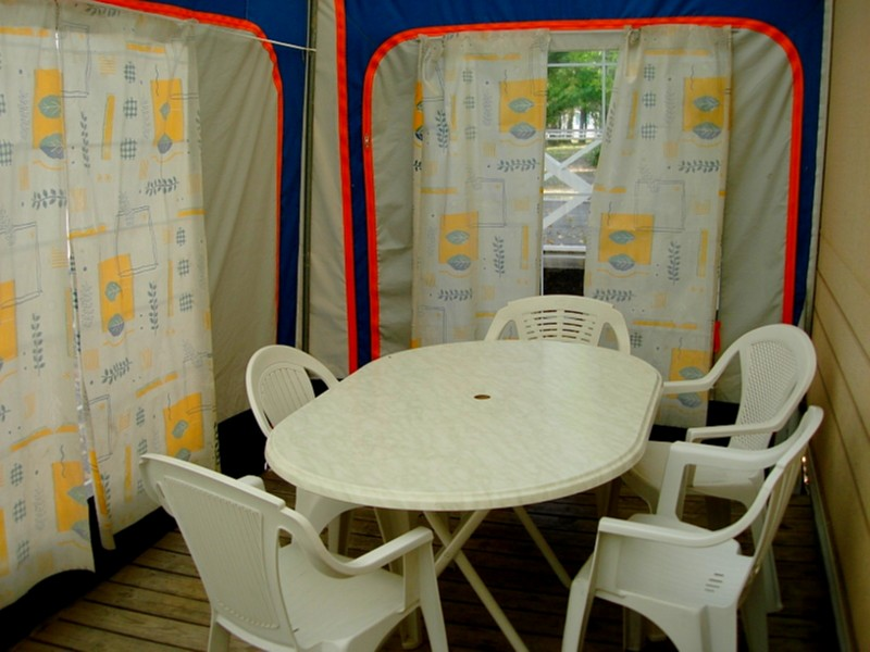 Location caravane camping 4 alpes de hautes provence for Le bon coin location salon de provence