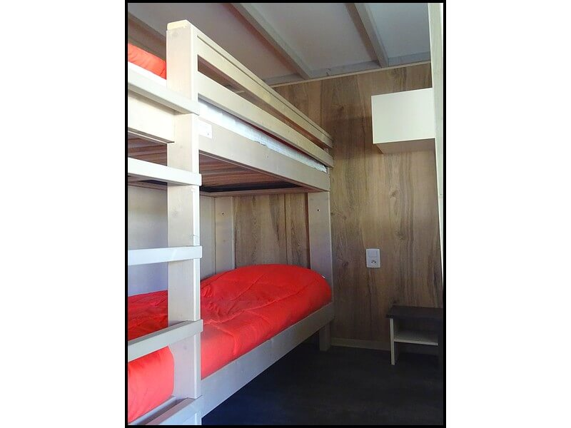 Children's room 2 beds with bunk beds in the very comfortable chalets