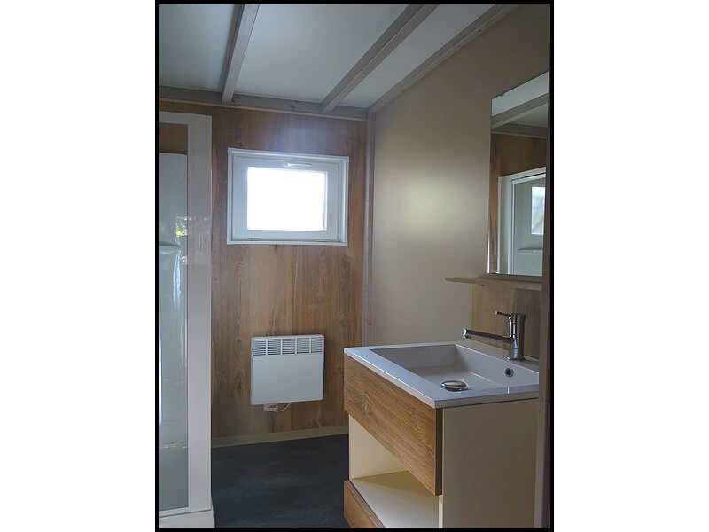 Bathroom with separate WC in the very comfortable chalet