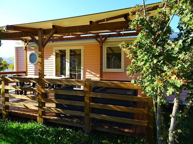 Premium mobile home 3 bedrooms at the Lac campsite in Curbans in Haute Provence