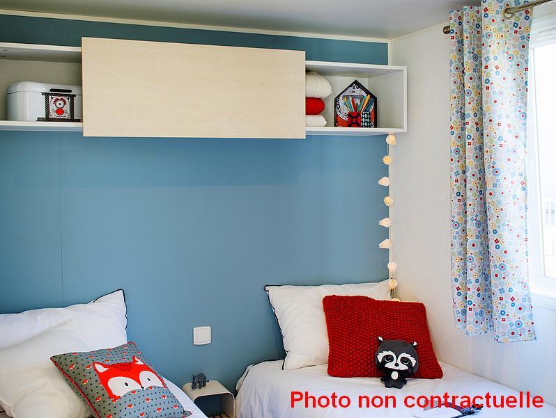 Mobil home Premium 2 chambres au camping du Lac à Curbans chambre enfant