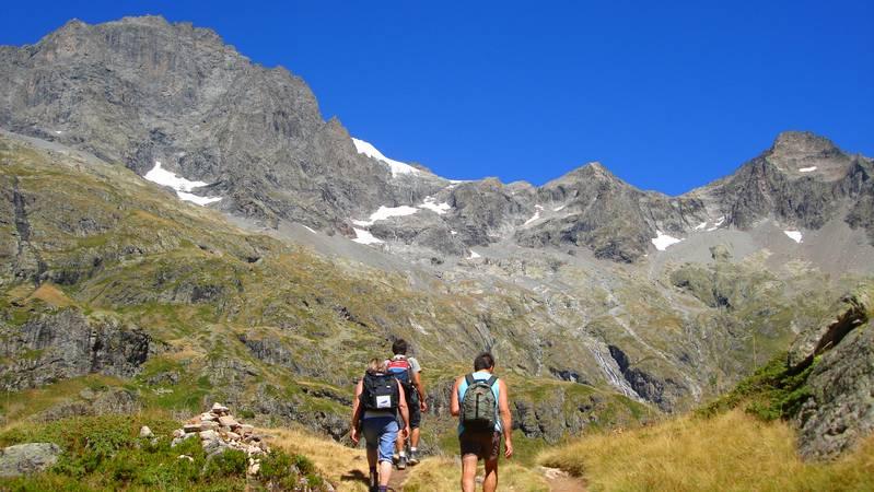 Randonnée dans le Valgaudemar au cœur du du parc national des Ecrins