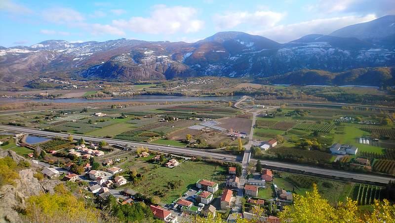 Sur les hauteurs de La Saulce vue panoramique sur la vallée de la Durance