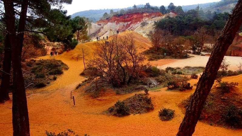 Le Colorado Provençale ancienne carrière d'ocre dans le parc du Luberon