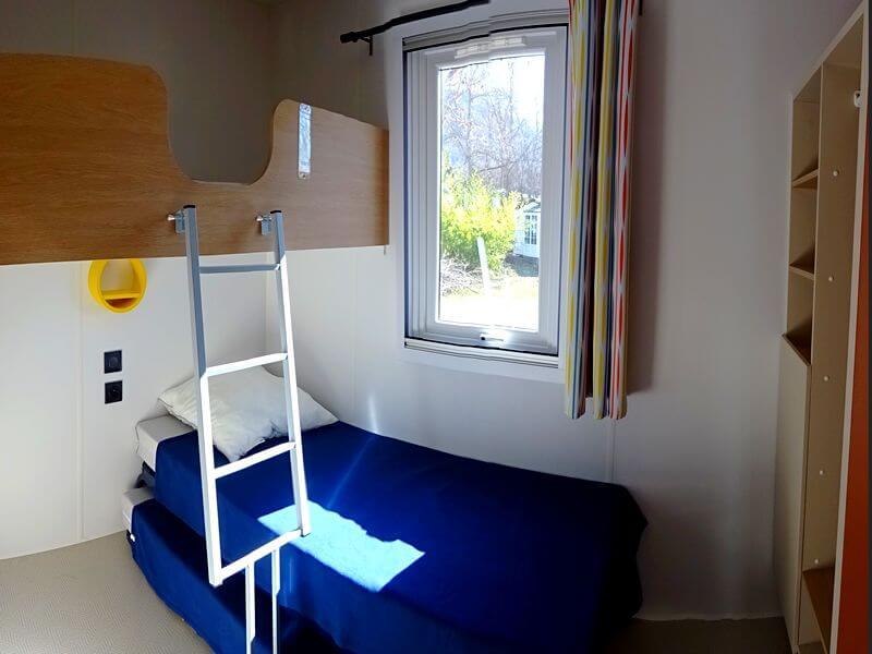 Kinderkamer Residence Ecrins met 3 bedden